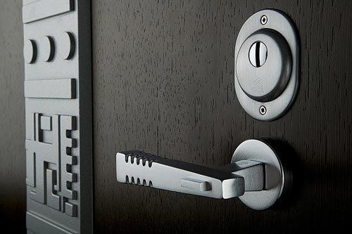 1368217999_stalnye-dveri